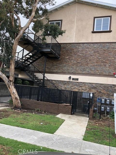 907 N INGLEWOOD Avenue 2, Inglewood, CA 90302