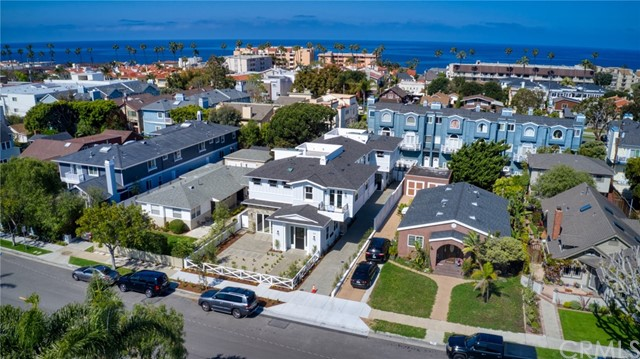 709 Elvira Avenue A, Redondo Beach, California 90277, 4 Bedrooms Bedrooms, ,3 BathroomsBathrooms,For Sale,Elvira,SB20084496