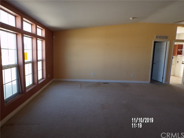 8380 Fairlane Rd, Lucerne Valley, CA 92356 Photo 9