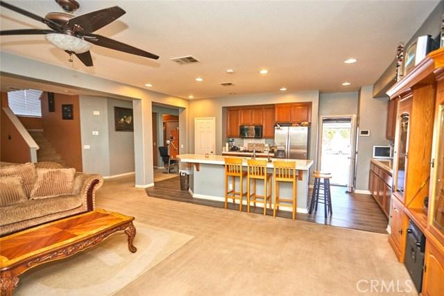 9030 Guadalupe Av, Oak Hills, CA 92344 Photo 7