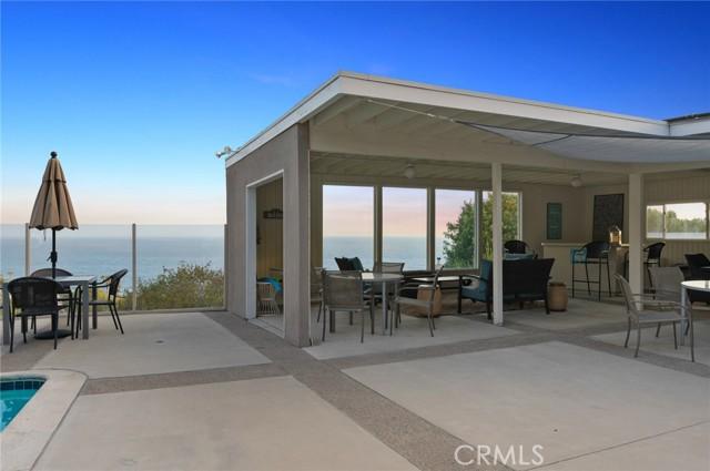 28. 21692 Ocean Vista Drive #C Laguna Beach, CA 92651