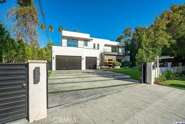 82. 4810 Woodley Avenue Encino, CA 91436