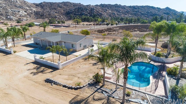 23595 California Avenue, Hemet, CA 92545