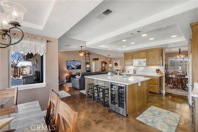 10260 Whitehaven St, Oak Hills, CA 92344 Photo 22