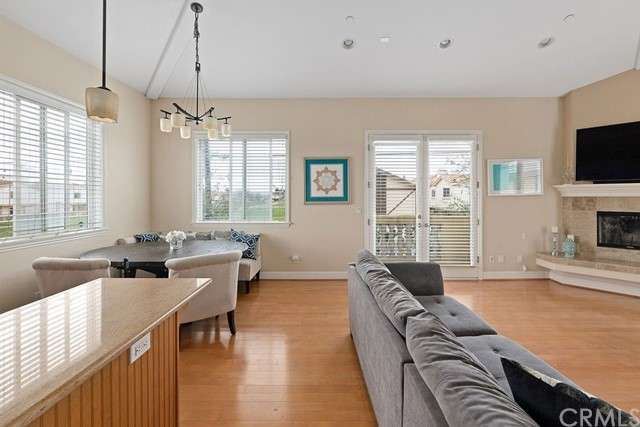 2510 Mathews Avenue A, Redondo Beach, California 90278, 3 Bedrooms Bedrooms, ,3 BathroomsBathrooms,For Sale,Mathews,SB20051689