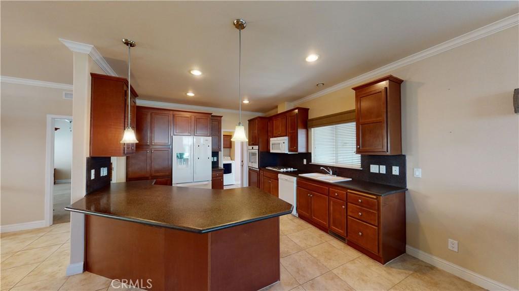 9850     Garfield Avenue   127, Huntington Beach CA 92646