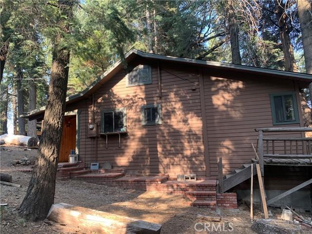 885 Quail Trail, Lake Arrowhead CA: https://media.crmls.org/medias/ca7eb87a-d8db-4611-a221-94832b733d84.jpg