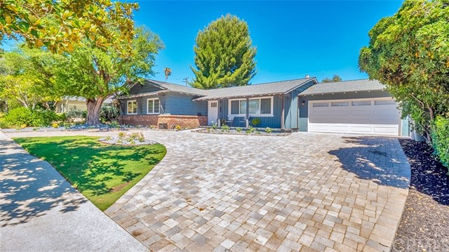 1602 Finecroft Drive, Claremont, CA 91711