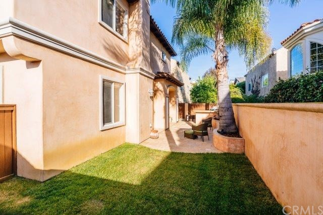 2504 Huntington Lane B, Redondo Beach, California 90278, 4 Bedrooms Bedrooms, ,2 BathroomsBathrooms,For Sale,Huntington,SB18218761
