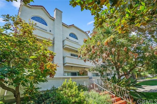 3743 S Canfield Avenue 303, Los Angeles, CA 90034