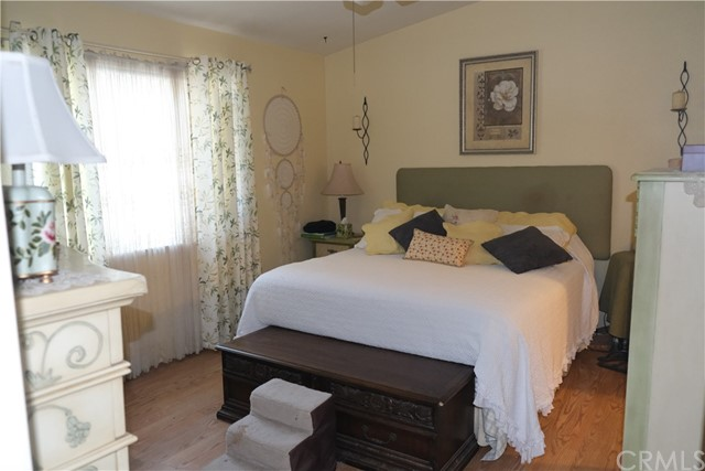 Master Bedroom with en suite Master Bath.  Spacious with lots of room for furniture.
