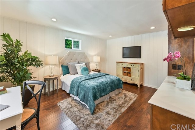 24. 566 W 11th Street Claremont, CA 91711