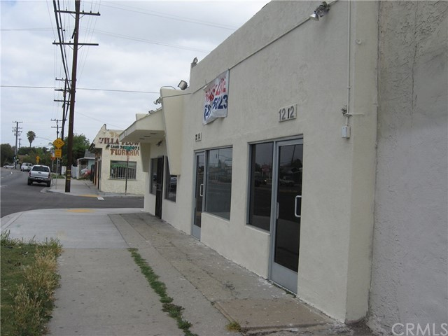 1214 N Wilmington Avenue N, Compton, CA 90222