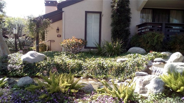 5711 Owensmouth Avenue 103, Woodland Hills, CA 91367