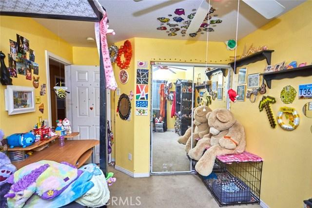 9030 Guadalupe Av, Oak Hills, CA 92344 Photo 24