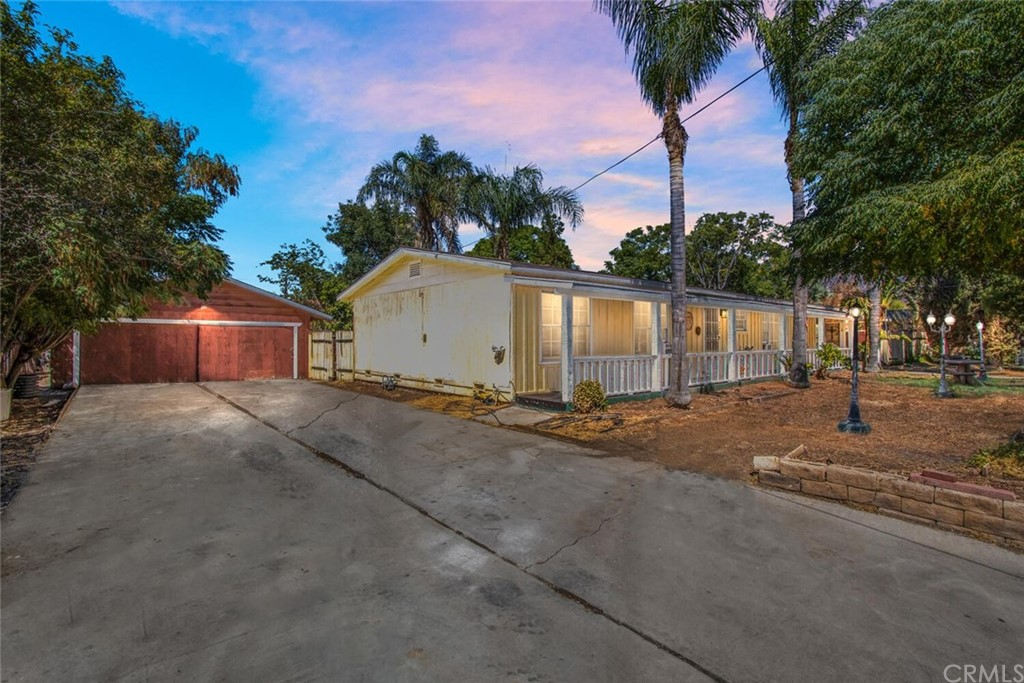 4040     Acre Lane, San Bernardino CA 92407