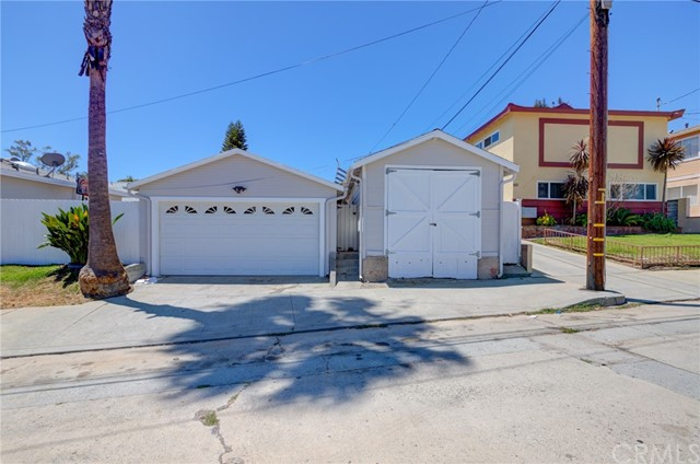 2. 749 N Cabrillo Avenue San Pedro, CA 90731