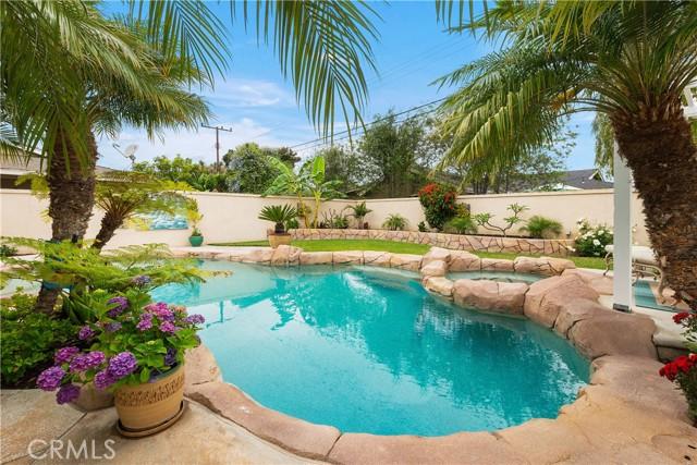 41. 2016 Calvert Avenue Costa Mesa, CA 92626