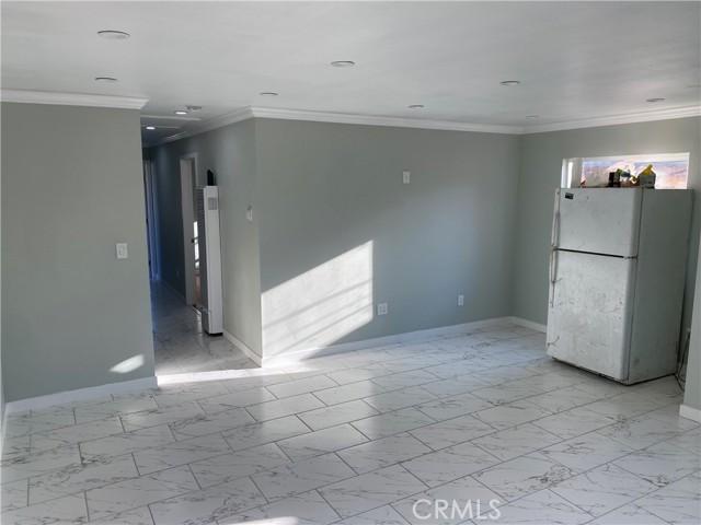 Image 14 of 132 E Caldwell St, Compton, CA 90220