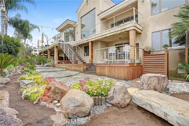 30418 Golden Gate Drive, Canyon Lake, CA 92587