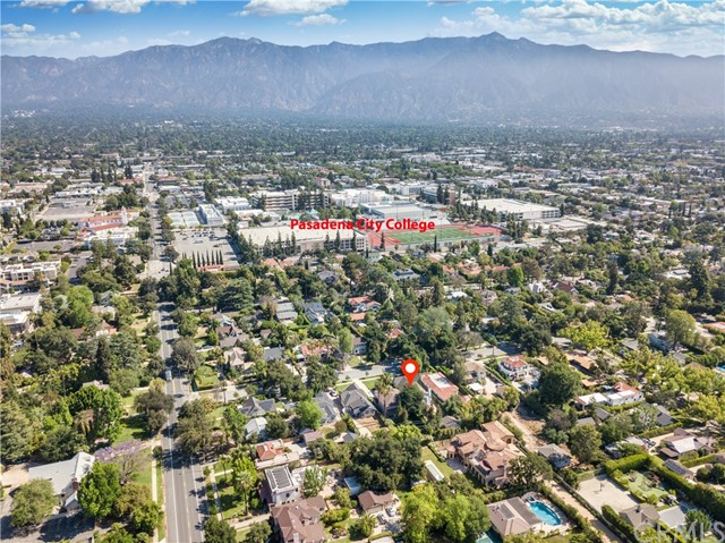 44. 1464 Oakdale Street Pasadena, CA 91106