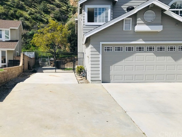 32363 Mustang Dr, Castaic, CA 91384 Photo 1