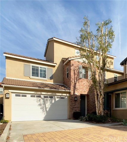 376 W Pebble Creek Lane, Orange, CA 92865