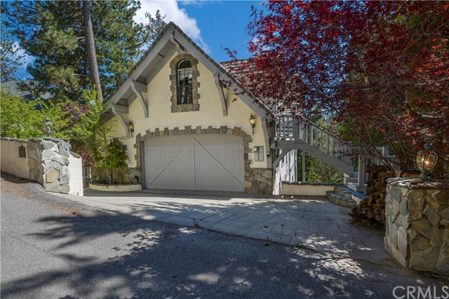 27428 North Bay Road, Lake Arrowhead, CA 92352