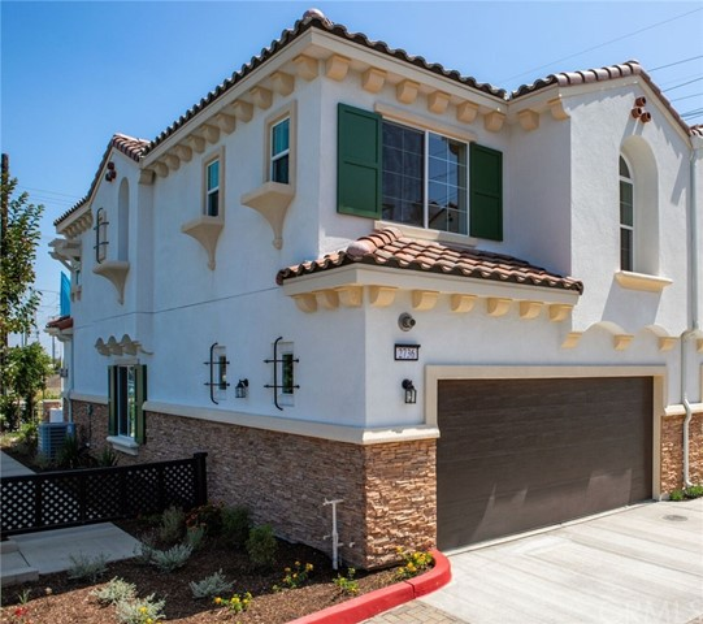 1298 S MacDuff, Anaheim, CA 92804