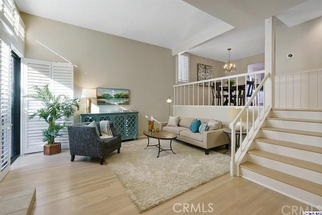 13961 Riverside Drive, Sherman Oaks, CA 91423
