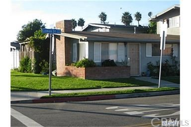 2829 Lemon Street, Costa Mesa, CA 92626