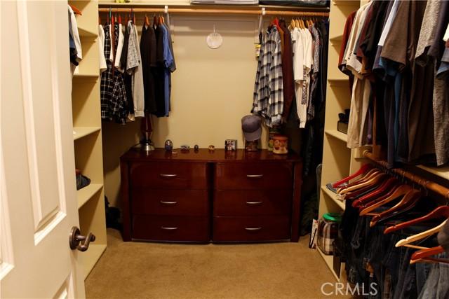 Master 2nd walkin closet
