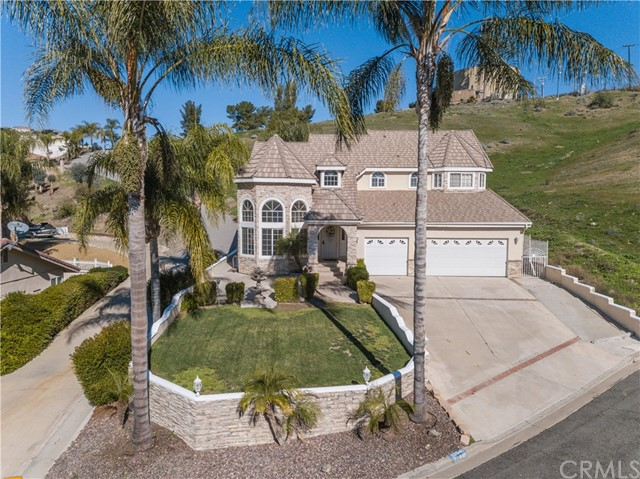22940 Fawn Lake Place, Canyon Lake, CA 92587