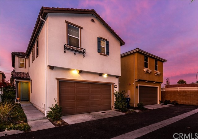 17323 Via Alto Way, Van Nuys, CA 91406