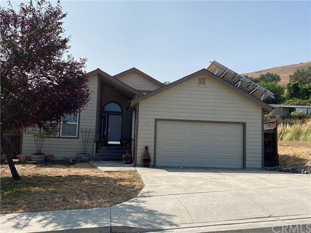 215 Lakeview Dr, Lakeport, CA 95453 Photo