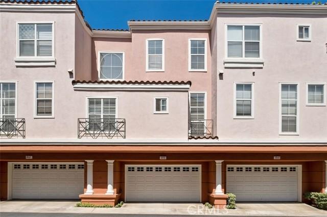 18. 1051 S Volterra Way Anaheim Hills, CA 92808