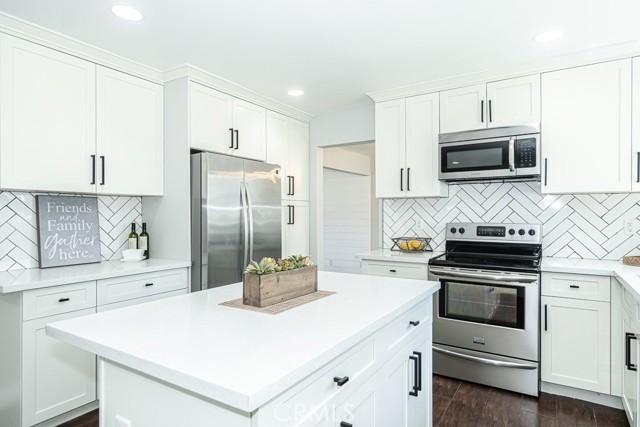 408 Barry Place Placentia, CA 92870