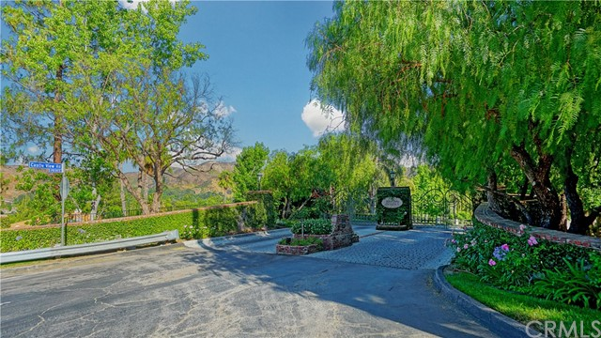 3848 Castle View Drive, Agoura Hills, CA 91301