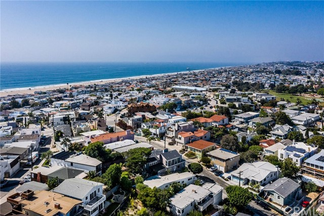 516 24th Street, Hermosa Beach, California 90254, 2 Bedrooms Bedrooms, ,1 BathroomBathrooms,For Sale,24th,SB20201077