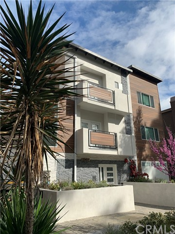 Built in 2018 and located at the rear of a 5 unit complex, this 3 Bedroom, 2.5 Bathroom Luxury Two-Story Townhouse-Style apartment offers a spacious, open floor plan with recessed lighting throughout. Centrally located in the heart of Woodland Hills, this property is half a block south of world-renowned Ventura Blvd., with close proximity to nearby restaurants, bars, and shopping with easy access to the 101 Freeway.  The first floor includes a modern designer kitchen, a spacious living room, and powder half bathroom featuring pedestal sink and mirror, perfect for friends and family gatherings. The kitchen includes vinyl flooring with elegant Quartz countertops and furnished with stainless steel appliances, including an oven, refrigerator, microwave, and dishwasher. Ample storage is provided throughout a walk-in pantry and storage underneath the stairs.  The second floor features a master bedroom with a private balcony, and a master bathroom. The two secondary bedrooms offer ample closet space in each room and share a hallway full bathroom with polished faucets and shower fixtures.  -Utilities Included: Trash (Tenants responsible for Electricity, Gas, Water and Sewer)  -Appliances Included: Washer & Dryer, Refrigerator, Dishwasher, Stove, Central A/C, Tankless Water Heater  -Parking: Two Tandem Parking Spaces in Parking Garage  -Security Deposit: Subject to Credit Score and Application  -Maximum number of occupants: 6 (2 per bedroom)  -One year lease minimum