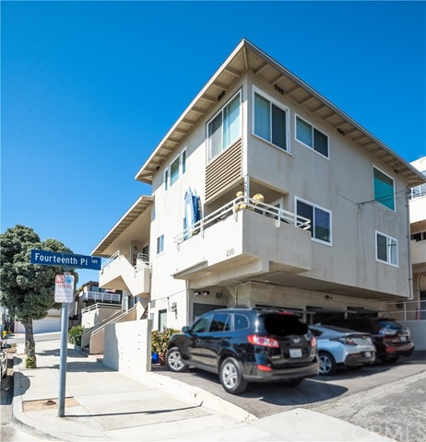 200 15th Street, Manhattan Beach, California 90266, ,For Sale,15th,SB20051917