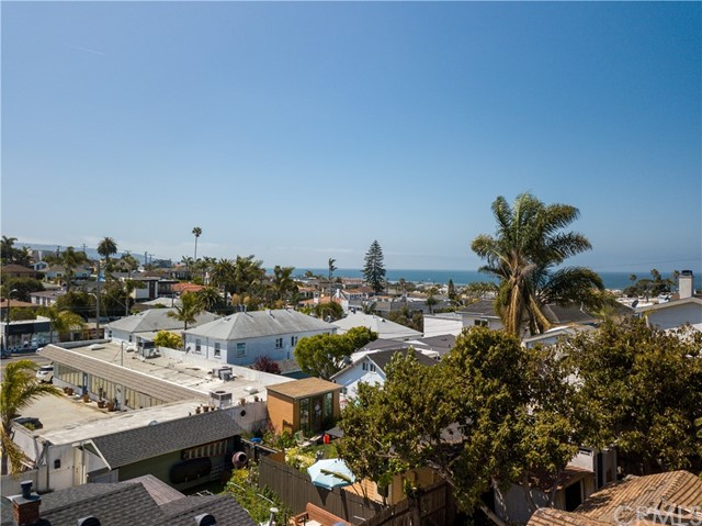 Potential for an ocean view from a rooftop deck.