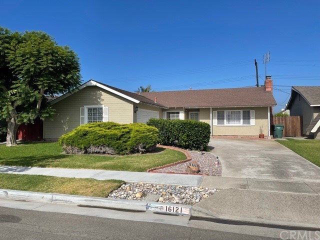 16121     Fantasia Lane, Huntington Beach CA 92649