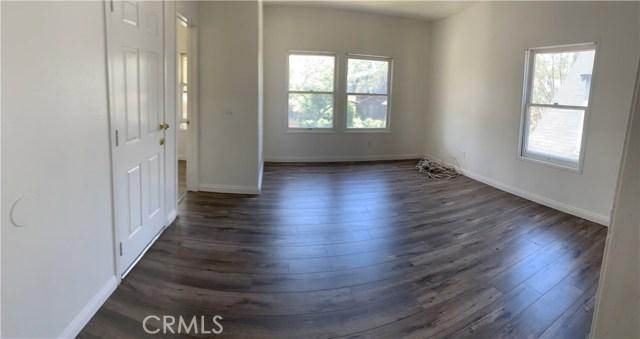 2710 Raymond Avenue, Los Angeles, CA 90007