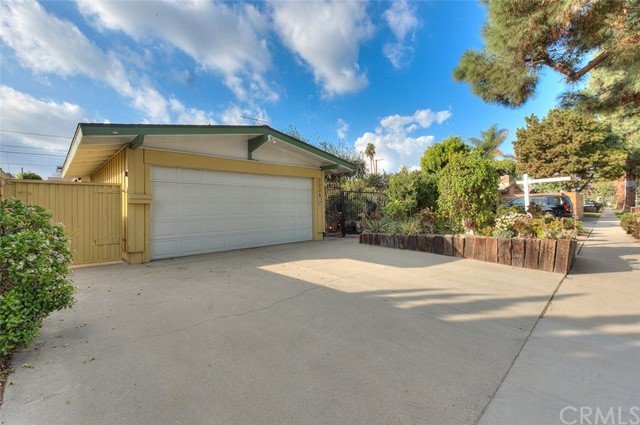 3035 Volk Avenue, Long Beach, CA 90808