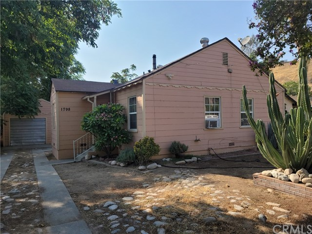 1798 Conejo Dr, San Bernardino, CA 92404