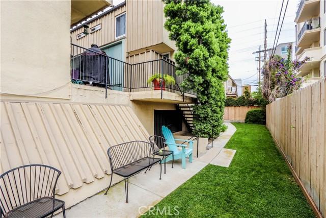 24. 1818 Parnell Avenue #5 Los Angeles, CA 90025