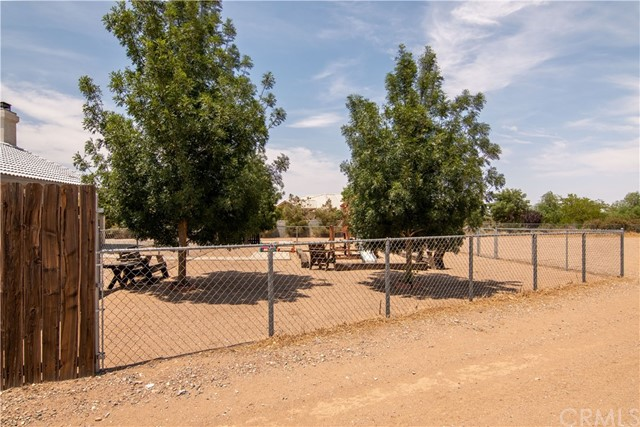8755 Anaconda Av, Oak Hills, CA 92344 Photo 8