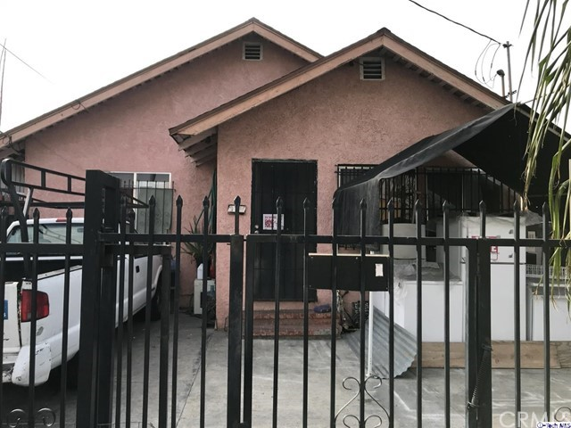 9611 Compton Avenue, Los Angeles, CA 90002