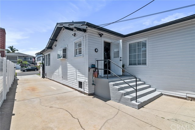 37. 1252 W 19th Street San Pedro, CA 90731